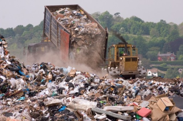 garbage-landfill-facts-670x442
