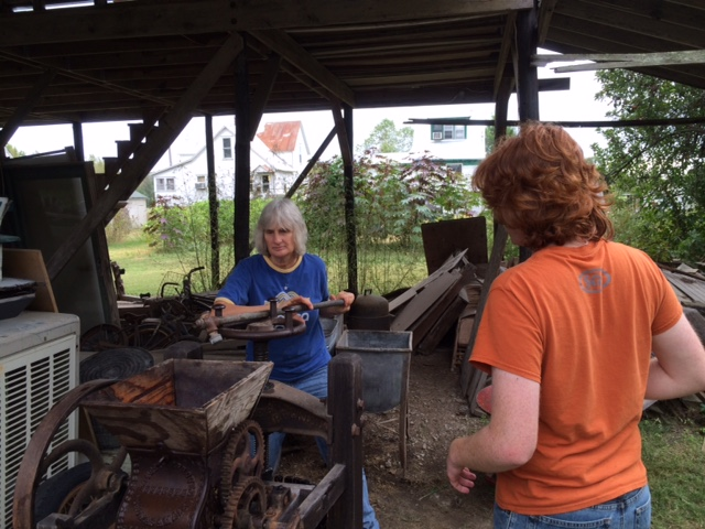 10-2-16-cider-pressing-with-ruths-11