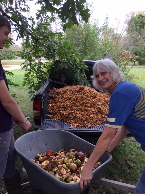 10-2-16-cider-pressing-with-ruths-22